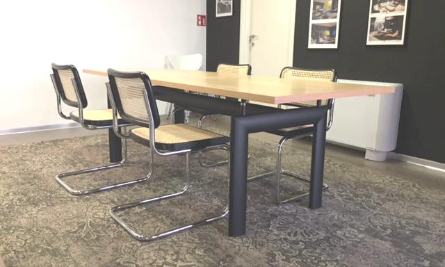 Sedie Per Tavolo Legno.Tavolo Modern Living Con Piano In Legno Frassino 4 Sedie Francesca