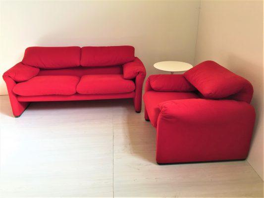 Cuscini Per Divani Design Originale.Poltrona E Divano Due Posti Maralunga In Stoffa Rossa Instant Design
